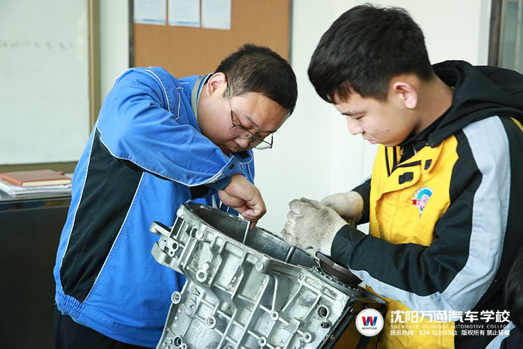 教师专访 闫玉涛:传授专业知识 培养学习精神